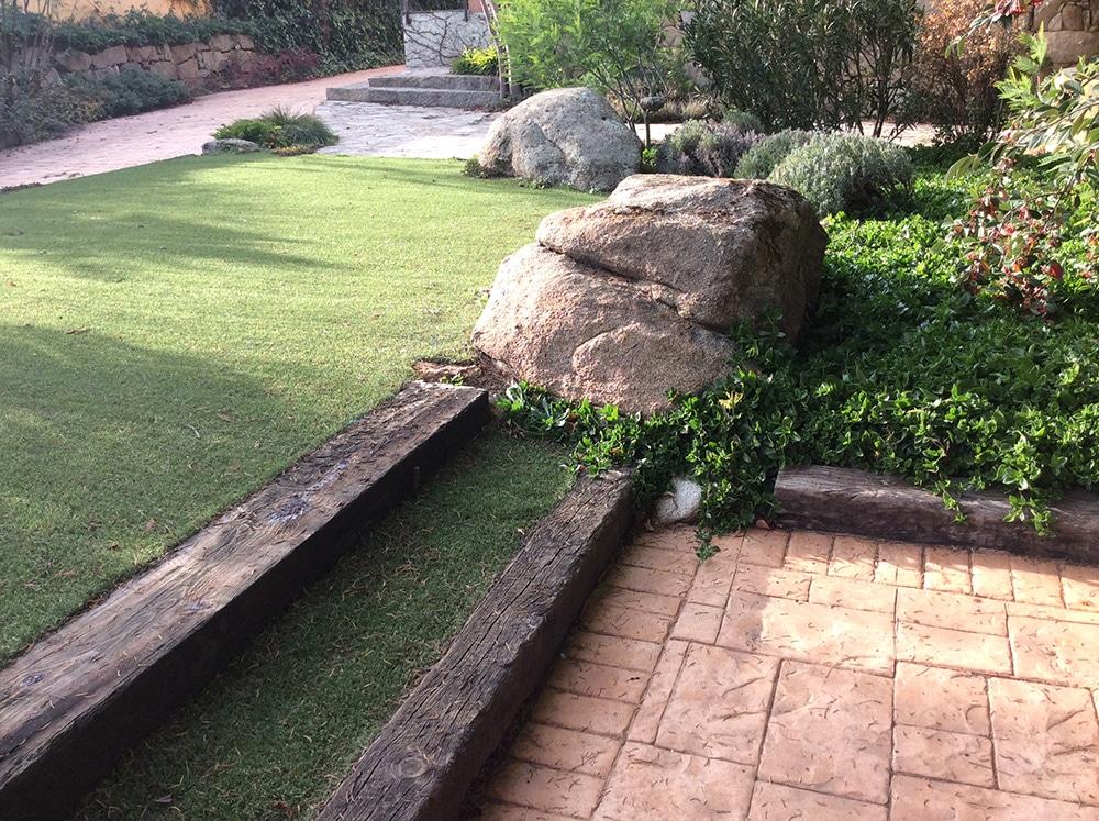 Venta decoraci n para jardines venta de mantillo natural - Jardines decorados con madera ...